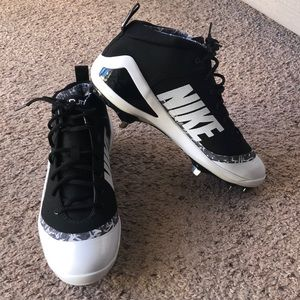 NIKE Force Zoom Trout IV cleats, size 11